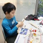 2年生のY君には前もって組立用の材料を用意しておきました。